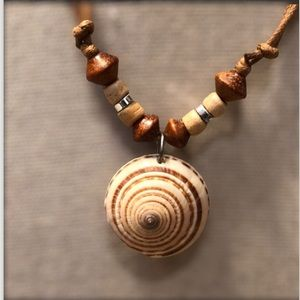 💥SHELL AND BEAD NECKLACE
